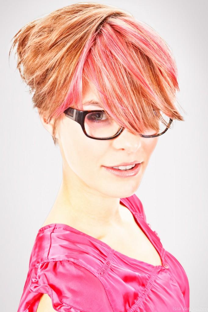 Vrouwelijk model portret met bril